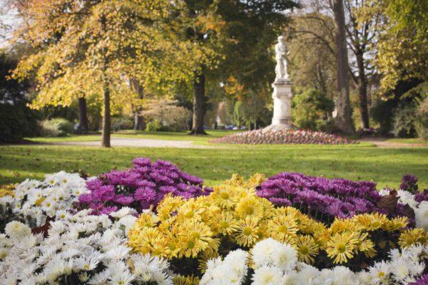 Le square Jean Cousin à l'automne